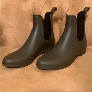 Merona brand from Target. Size 9 rain boots.